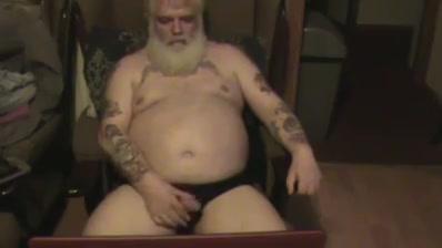 Old man having a wank Firstrax chubby chews