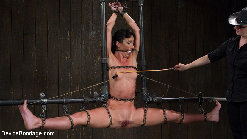 bondage-or-bdsm-training-or-equipment-very-hot-girl-party-kiss-shaved