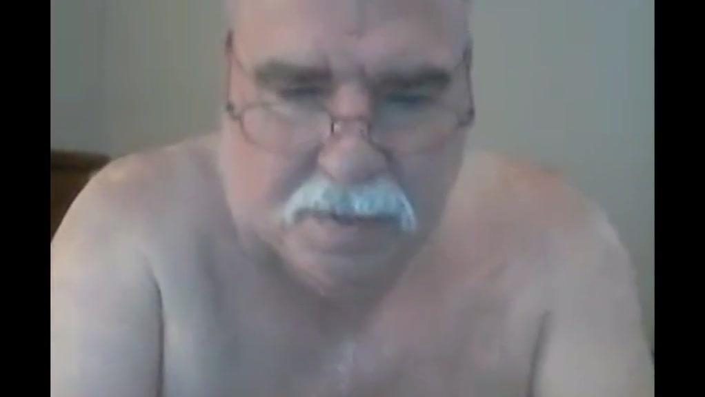 Grandpa play on webcam 3 Gamer girls butt naked