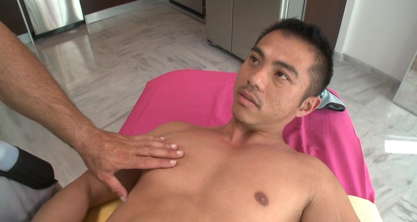 Sensual oil massage Real milf kissing a big black cock