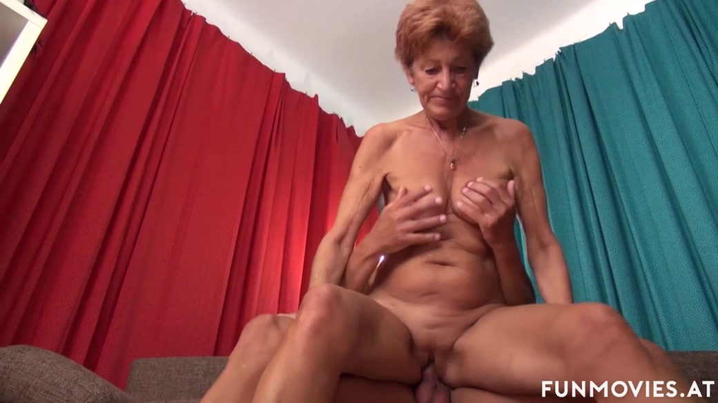 German Granny Got Some Tricks Vedoes Sex