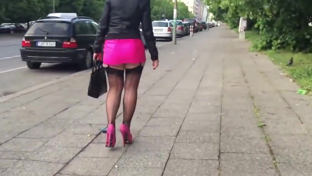 Walking in berlin hd