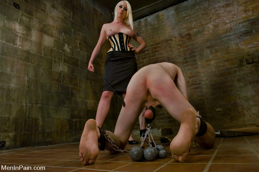 Slave Driver - MenInPain Man licking woman naked