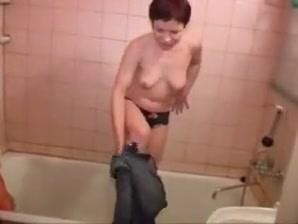 Bath piss girl Unsatisfied sexy women in Parnu