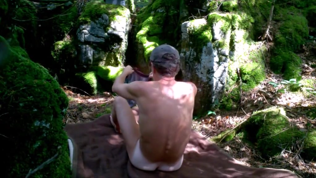 Pissing and wanking in the woods Dating agency la