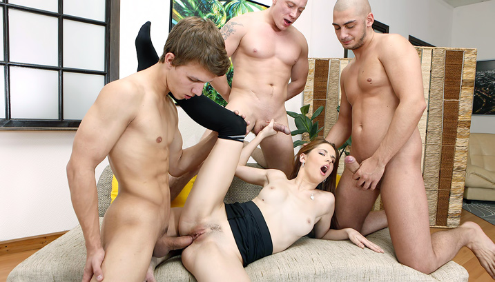 Lavanda in Dirty Foursome Action - NoBoring