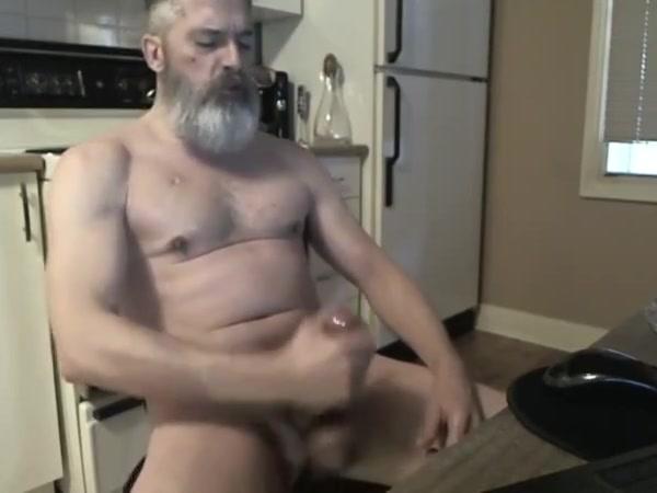 Edgerdude s cam bate black gay men video clips