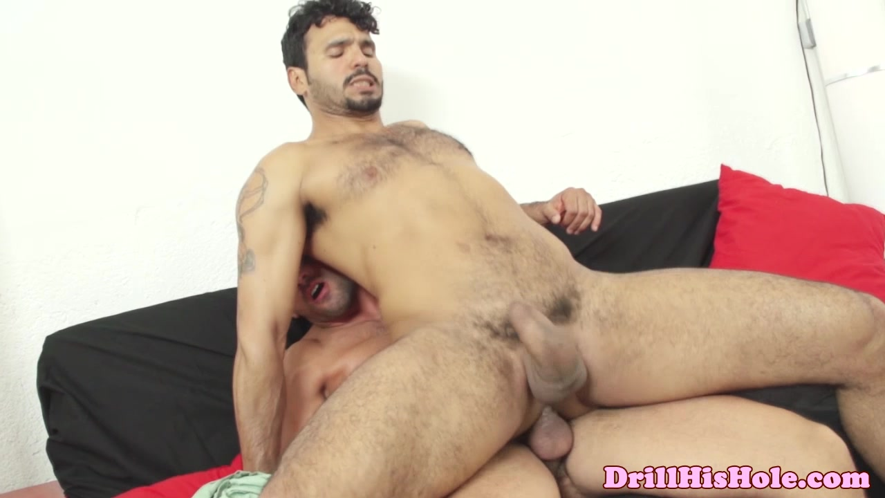 Damien Crosse fucks bottom bitch Older mature porn vids