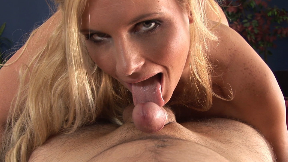 Stunning blonde angel Phoenix Marie sucking Fuck in australia
