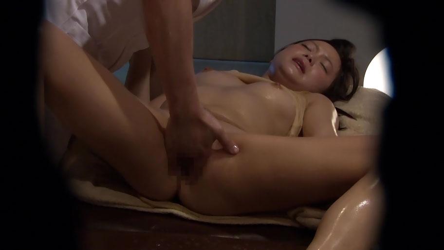 Asian massage parlor hidden camera porn pics