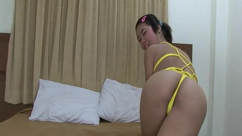 Asian girlfriend creampied after rough doggystyle