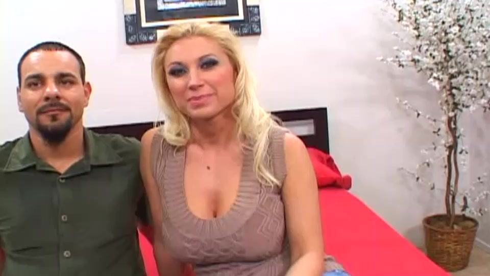 Milf with giant tits Devon Lee gets her shaved pussy pounded Arab sex album