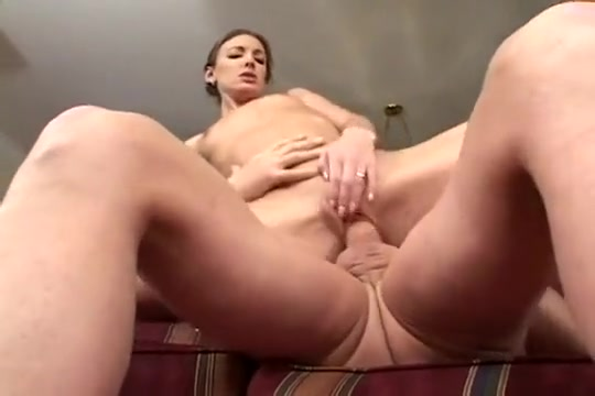 A Model Gets The Two Dick Breaking In cute aussie girl sex
