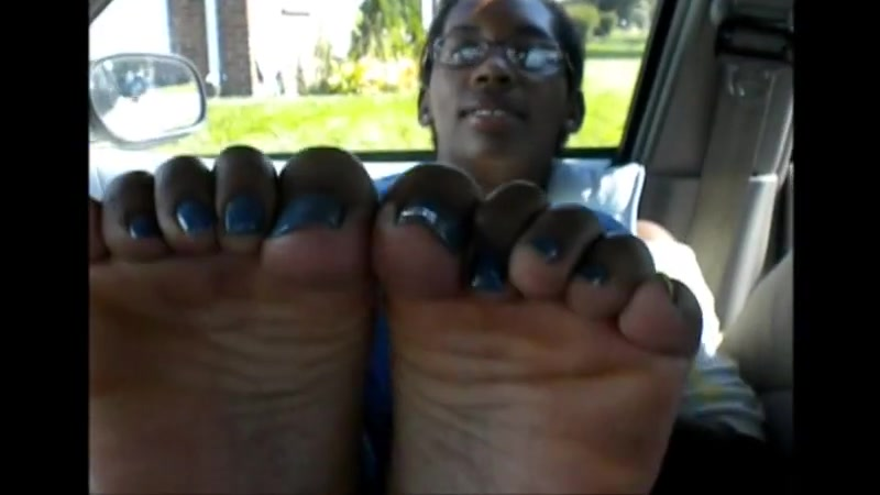 Tiara blue toenails Rohit sharma wife boobs