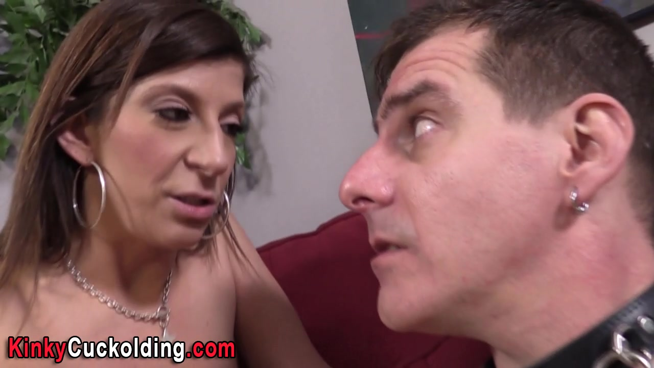 Cuckolding babe sprayed