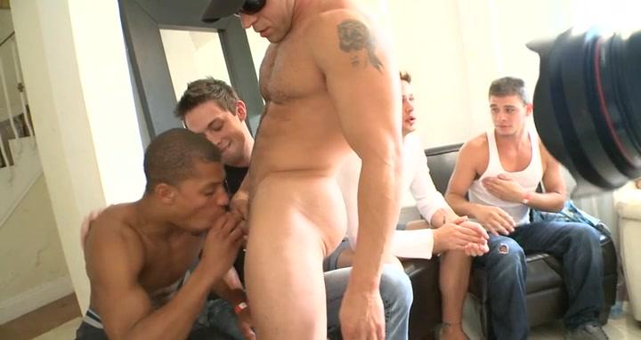 Sucking a huge stripper cock Sex video for free com