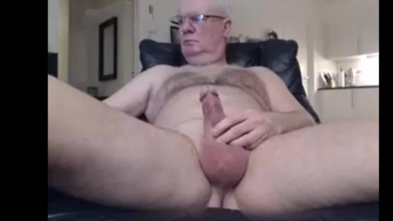 Dad stroking his uncut meat ver dvd porno gratis