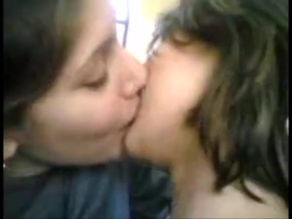 Indian students experiment lesbian kissing in class Late Night Fun