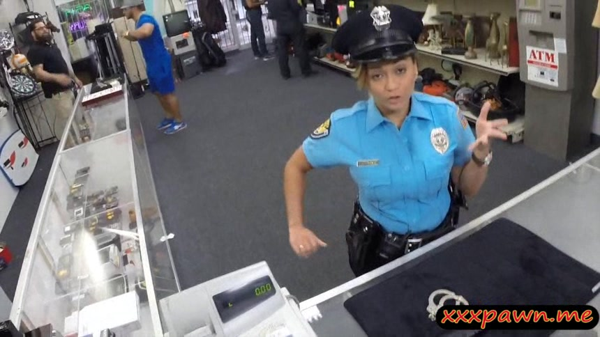 Lady police officer gets nailed in a pawnshop to earn cash how did you learn to squirt