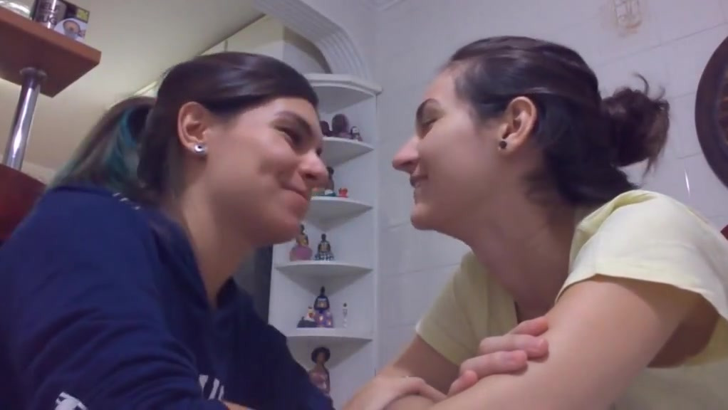 Real lesbian Homemade pawg milf nude