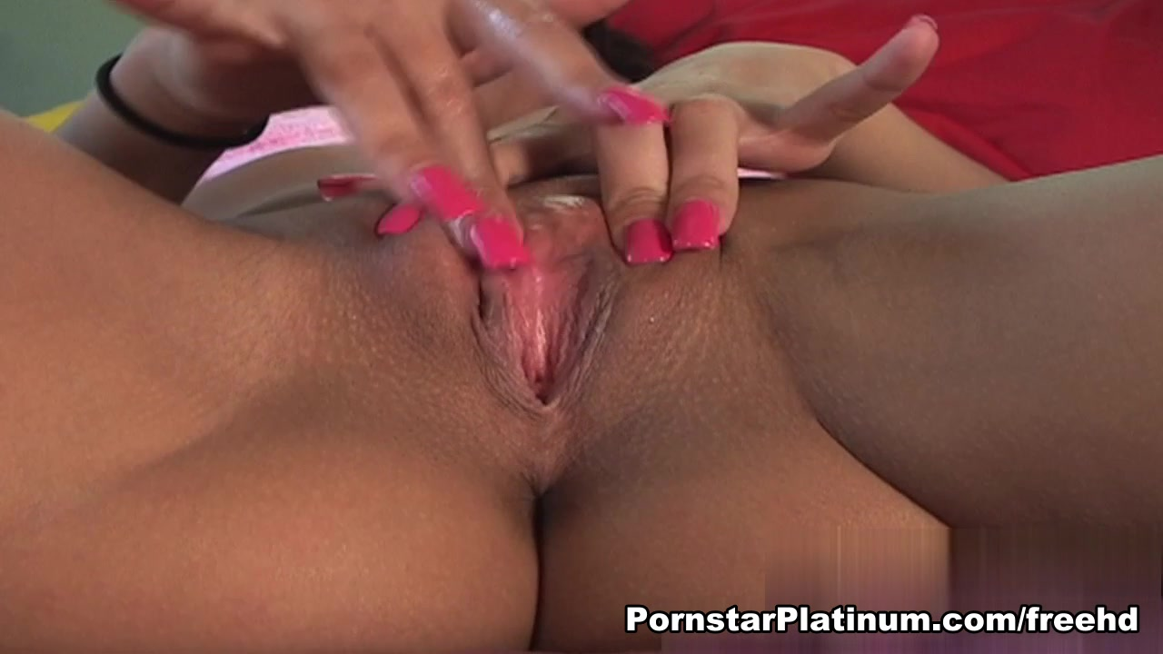 Rachel Starr in Alone On The Bed LESBIAN SOLES WORSHIP LICKING