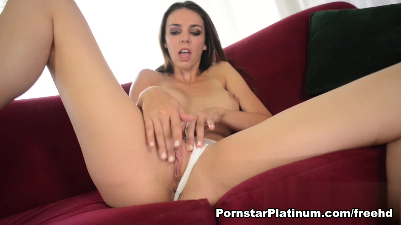 Tiffany Tyler in My Magic Wand Mature wife showing tits