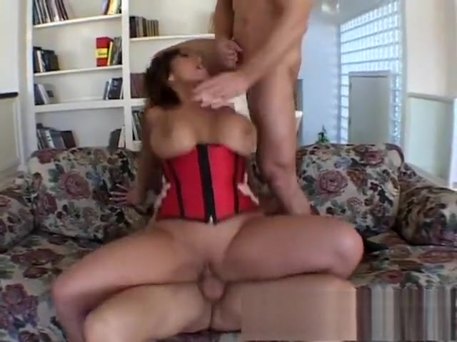 Huge breasted Oriental milf gets double drilled and reaches her climax Montana landing strip