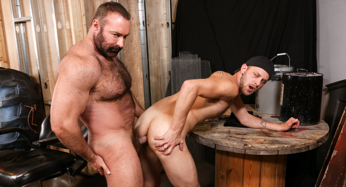Bear Hug Video - PrideStudios Sexi vidiyos