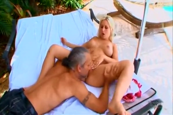 Busty blonde with a splendid booty Sammie Spades gets pounded outside Free huge tit fuck porn