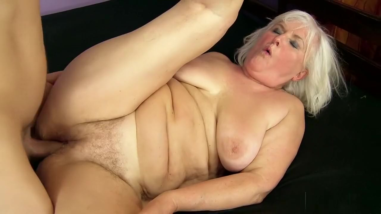 Chunky mature blondes tits bounce as she rides a fat fun stick oldcouples having sex on video