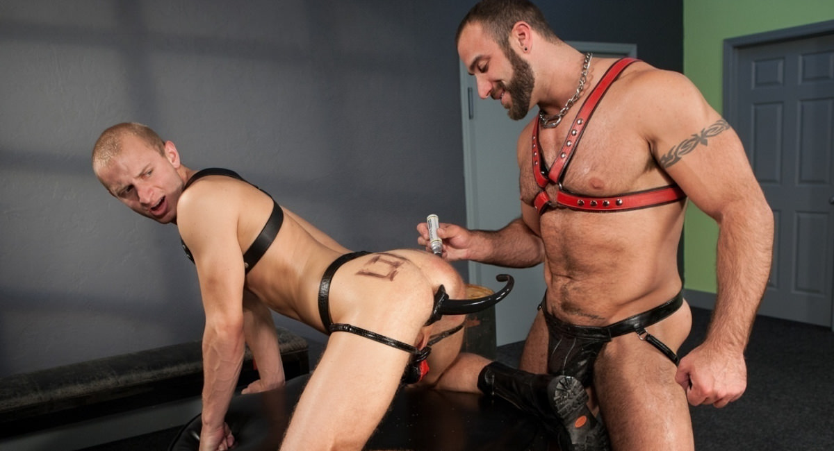 Hole Busters Vol. 5 featuring Spencer Reed, Randall OReilly - FistingCentral Drunken orgies on beach
