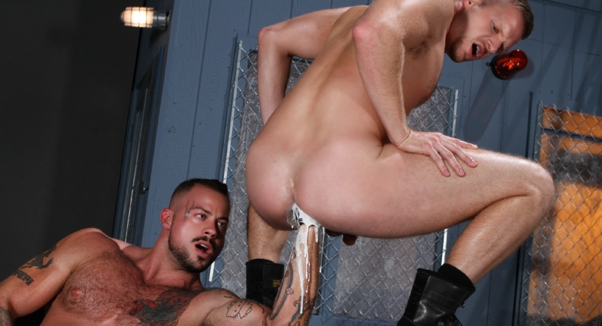 Sean Duran Fists Brian Bonds featuring Brian Bonds, Sean Duran - FistingCentral Getting lost in ambers pussy