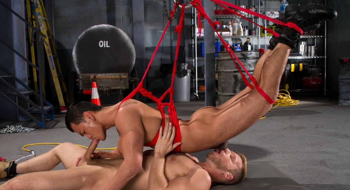 Bondage Garage featuring Brian Bonds, Eli Lewis - FistingCentral Glory hole in philadelphia