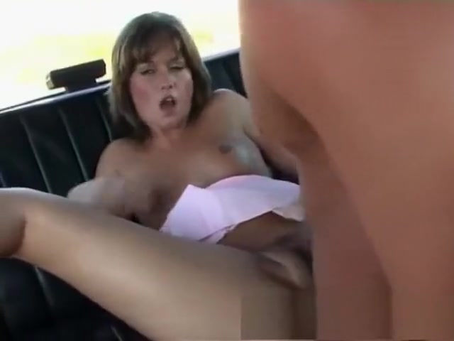 Gabriela spreads her legs and gets her pussy stuffed in a car Hookers in Haapsalu