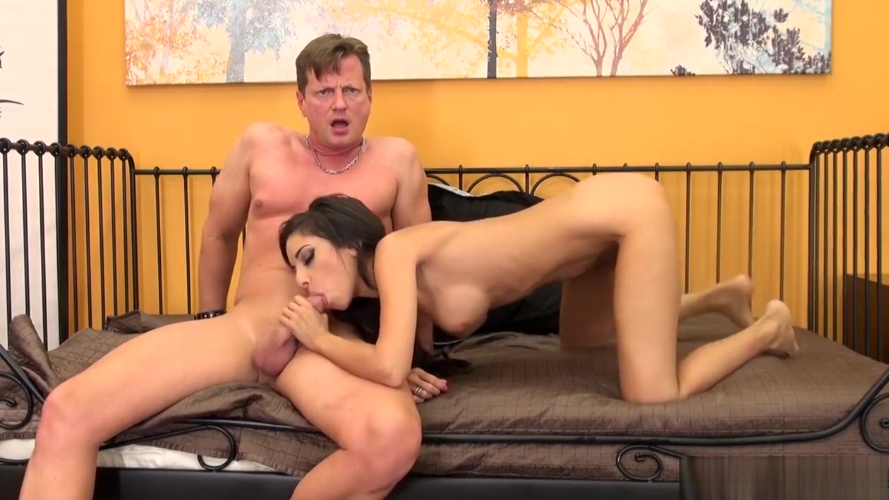Spinner Trinity toys herself before she goes all out on his pecker Hookup in canada