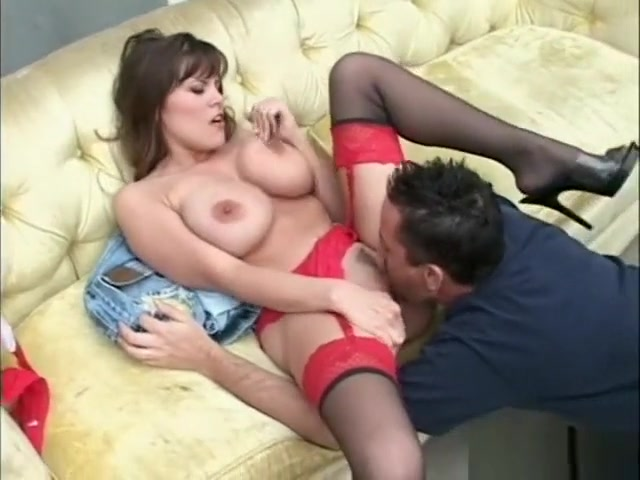 Big tittied cougar Rebecca Love gets creamed on her monster mounds Chikan Encoxada