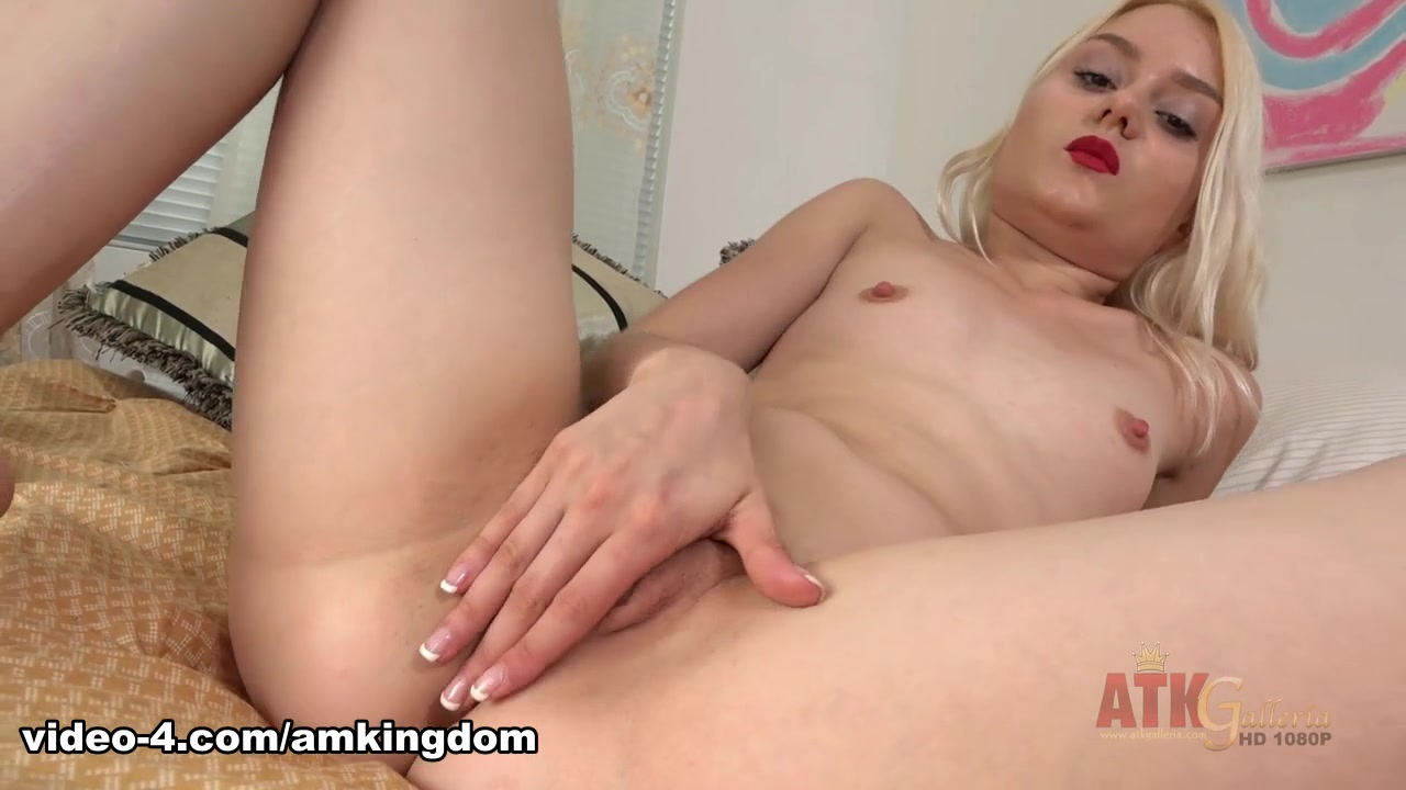 Anya Shidlerova in Masturbation Movie - AmKingdom cool anime girl nude