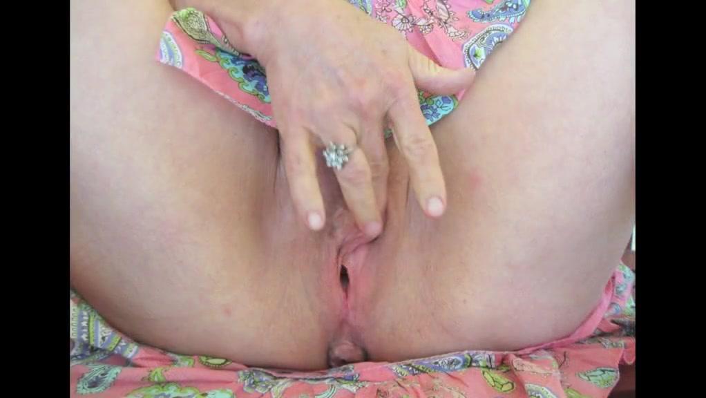 Hottest Mature, Public sex clip