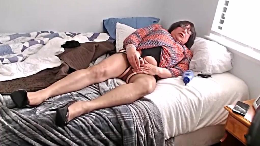 Ripe sperm Big breasted women