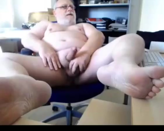 Grandpa cum on webcam 2 Vic n bob