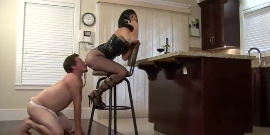 Mom gets her ass licked