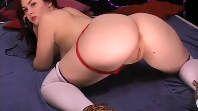 Jaye Rose on iPureTV - 11-17-2012 (1) Women gets fisted by lesbian friend