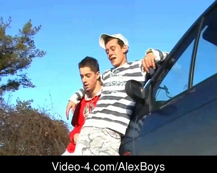 AlexBoys Derren & Jay - lets go outside Upskirt peeps on on screen