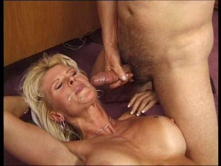 немка в ахуе от порно - 12