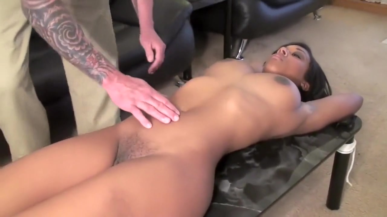 morgan belly button bound Uncle Jeb Blondie Is Hott