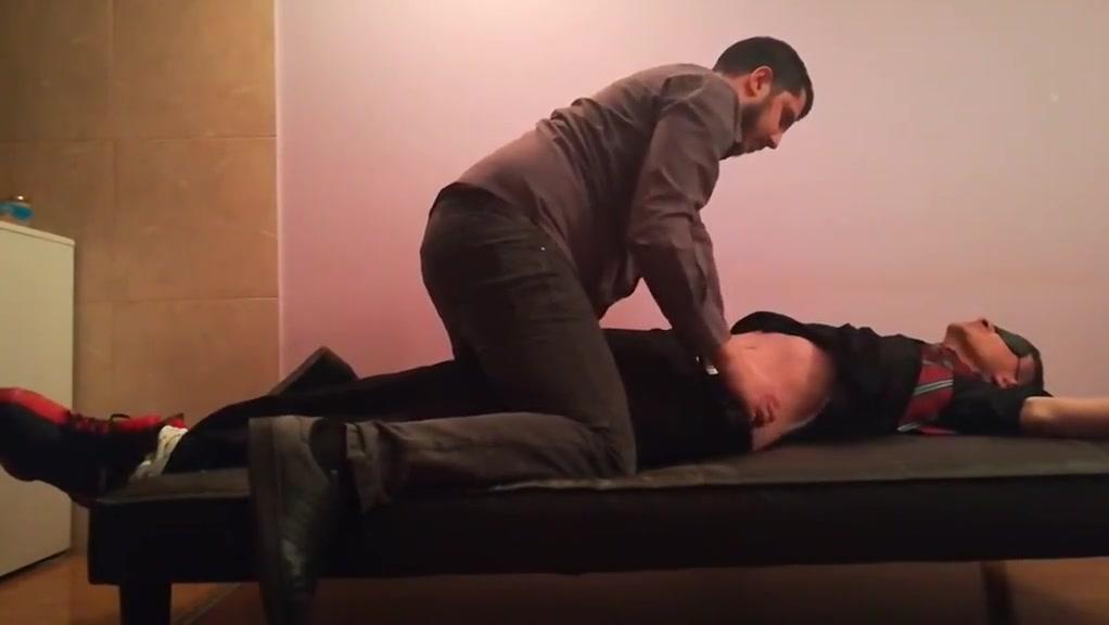 Male armpits tickling wwe big daddy vs big show