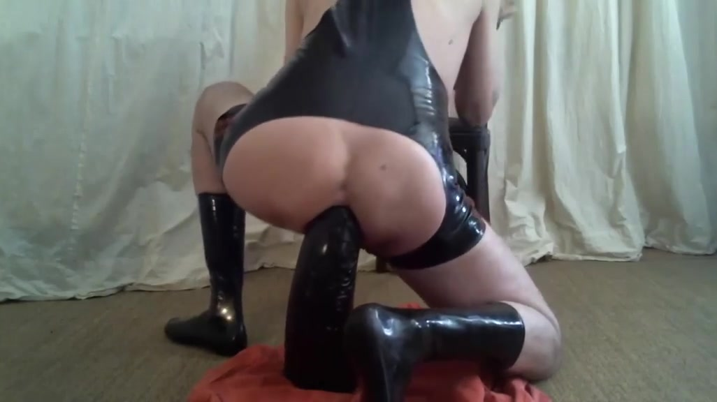 Riesen dildo Sexy grils doing sex