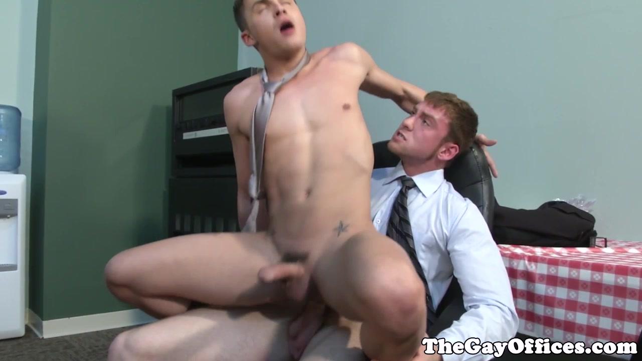 Gay office twink works on his sucking skills free cfmn handjob tube