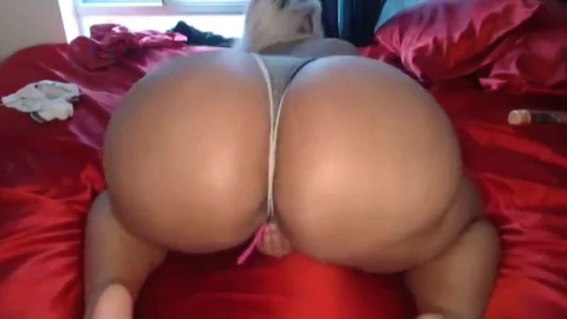 Diamond d - new camshow Busty milf sucking huge cock