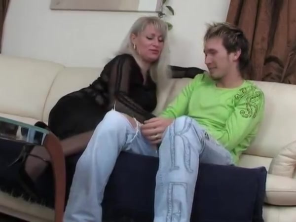Hot russian mommy saggy tits fucked junior guy stockings